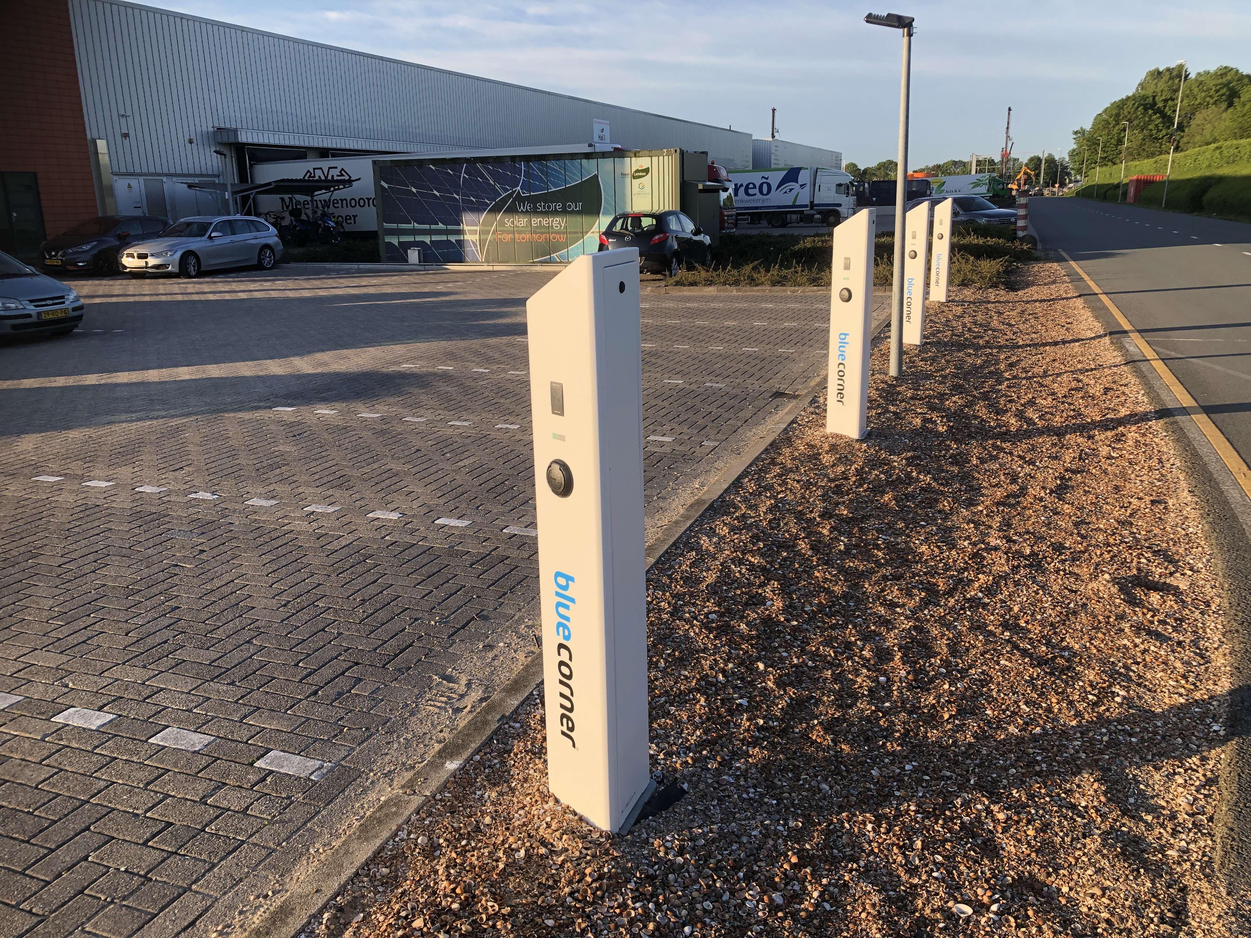 Logistiek Centrum Bleiswijk krijgt 13 laadstations